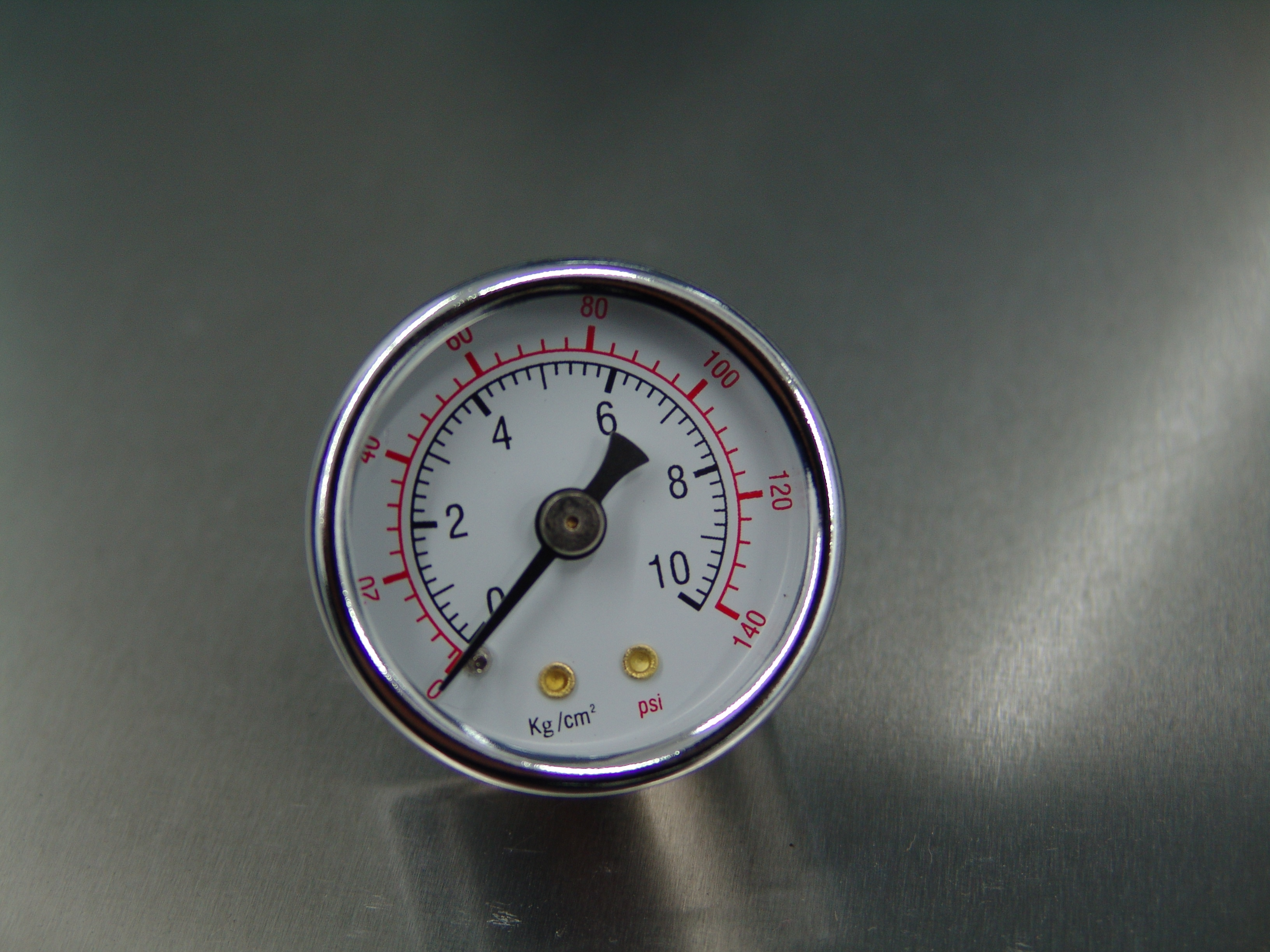 http://www.akracing-shop.de - Benzindruck-Manometer bis 10bar